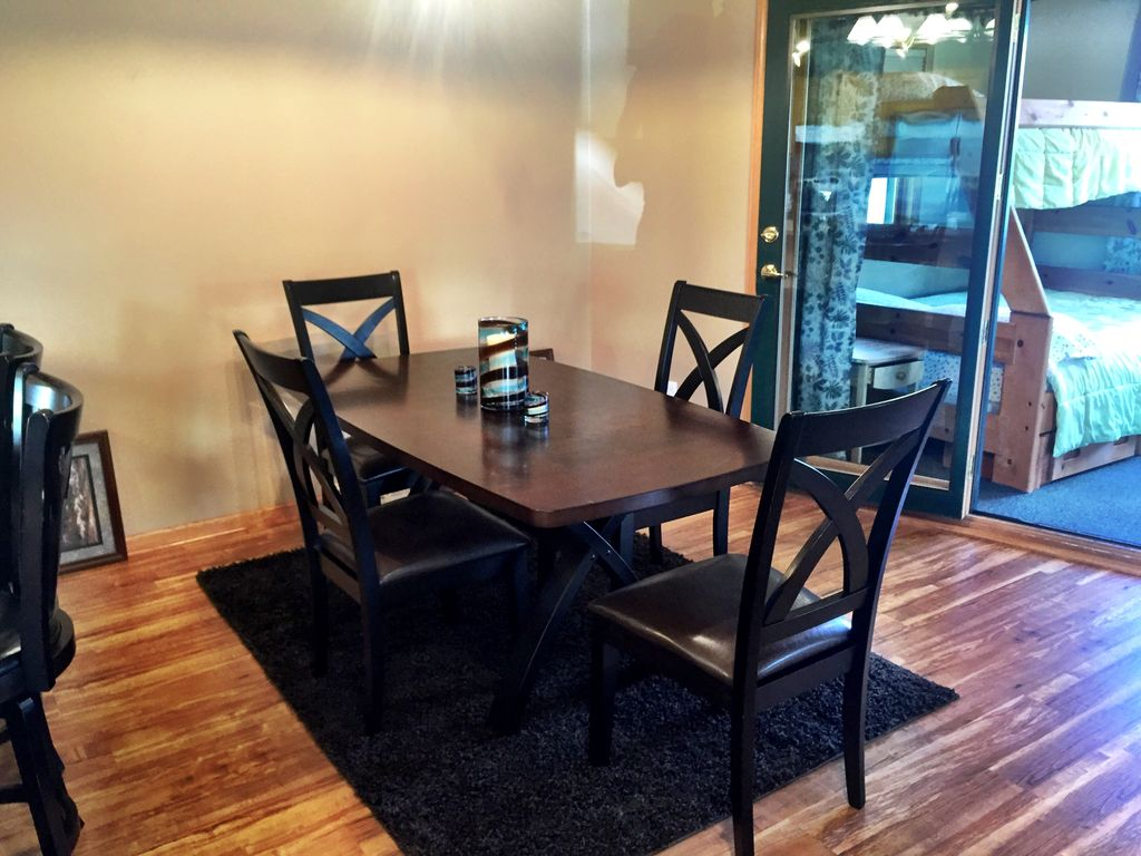 Counter seating and dining table.